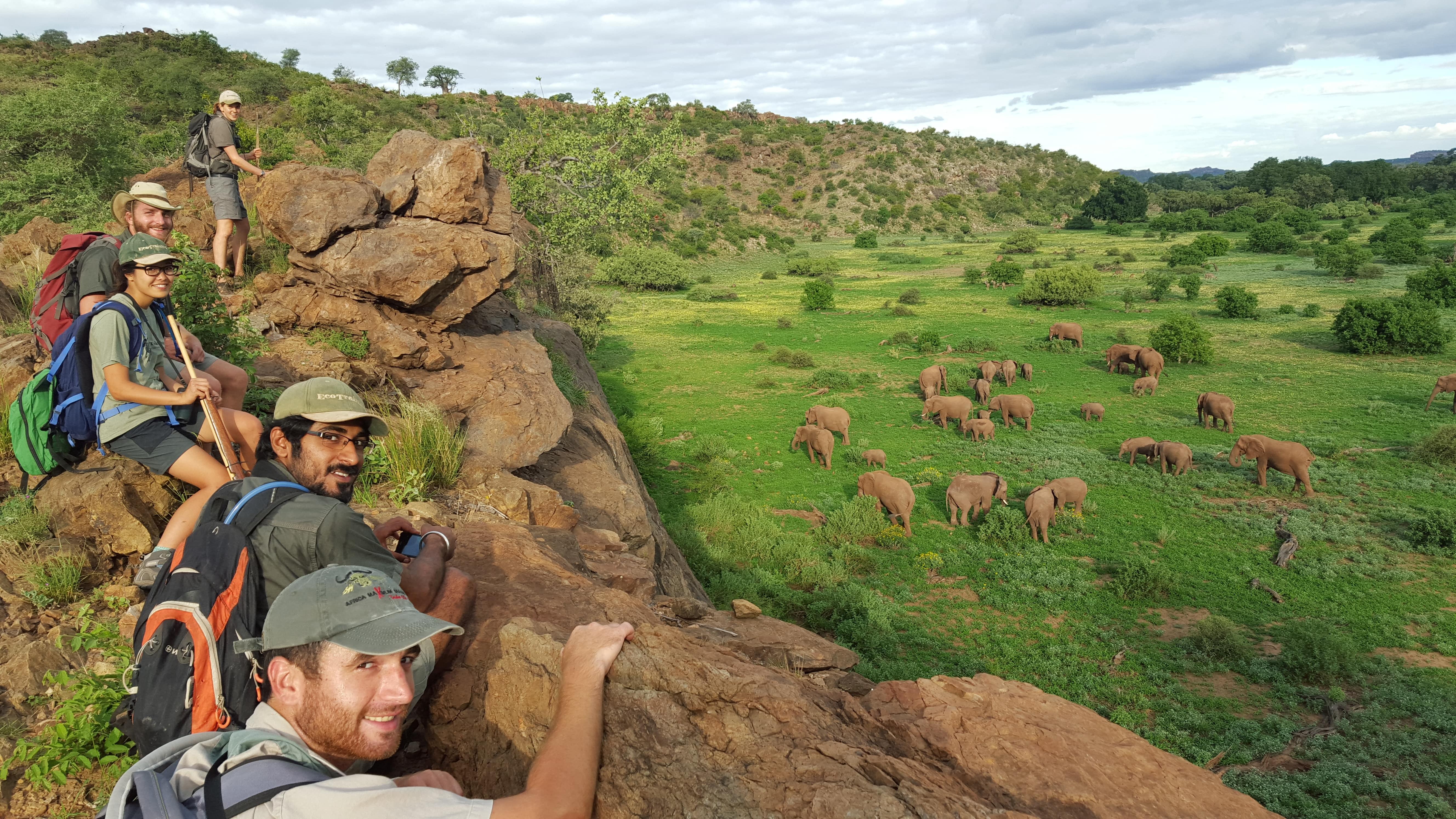 Dieses Bild hat ein leeres Alt-Attribut. Der Dateiname ist Ranger_Ausbildung_Sudafrika_Landschaft_Reisegruppe-18-min.jpg